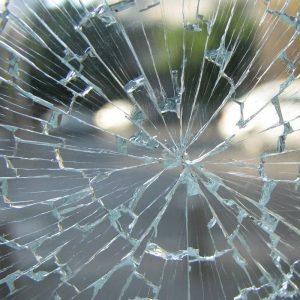 ガラスの割れ替え